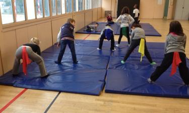 Activité au gymnase de la primaire Alsace Lorraine