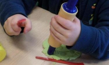 Activité pâte à modeler à l'école du Noyer de l'Image