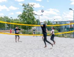 Beach volley sur l'esplanade Jean Ferrier