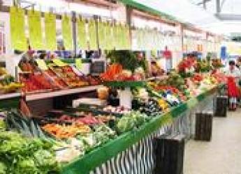 Étalages de fruits et légumes